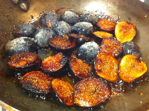 12 to 16 fresh figs, sliced in half lengthwise ½ cup unrefined sugar ...