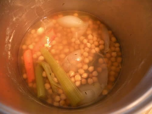 Cooked Chickpeas before Draining