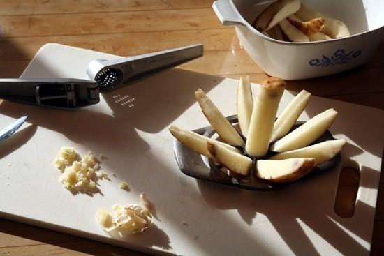 Easy Way to Crush Garlic