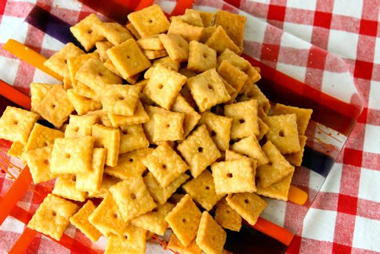 Homemade Whole-Wheat Cheez-Its,