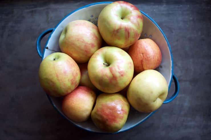 Apples for Pumpkin Pie Spiced Applesauce