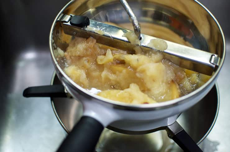 Using the Food Mill for Pumpkin Pie Spiced Applesauce